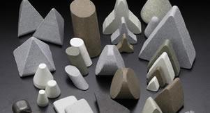 Media plástica con diferentes formulaciones para múltiples acabados.